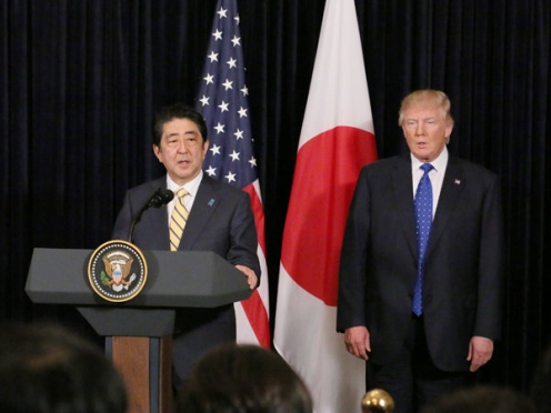 Shinzō_Abe_and_Donald_Trump_in_Palm_Beach_(2)
